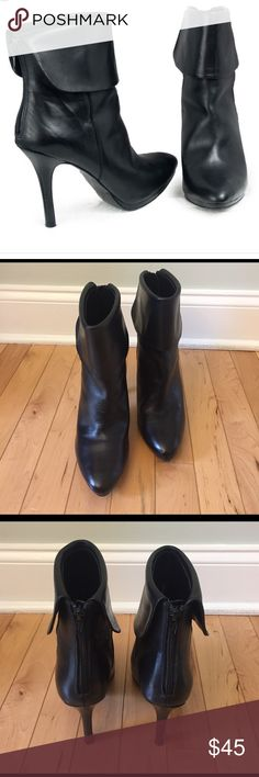 """Ralph Laurel Leola Leather Booties Size 7.5 These Ralph Lauren black leather booties size 7.5 are in very good pre-owned condition. These stylish booties will complement any outfit! Heels are 4"""" high. Lauren Ralph Lauren Shoes Ankle Boots & Booties"""