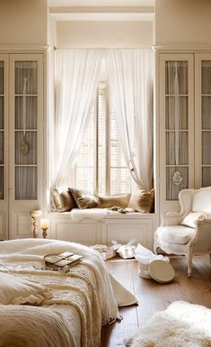 Modern Country Bedrooms, Country Bedroom Design, French Bedroom Decor, Parisian Bedroom, French Country Living Room, French Decor, French Country Decorating, Modern Bedroom, Bedroom Ideas