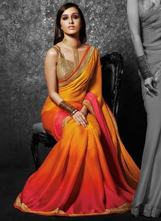 A golden blouse design is the ultimate option to wear with most sarees in your closet! Here are 20 golden blouse design ideas to show your tailor before stitching one. Indian Attire, Indian Ethnic Wear, Indian Style, Bollywood Saree, Bollywood Fashion, Indian Dresses, Indian Outfits, Series Juveniles, Sari Bluse