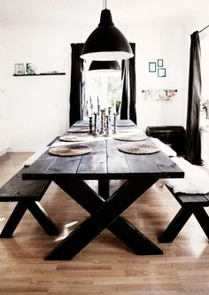 Embrace the Relaxed Style of Indoor Picnic Tables - A dining space the entire family can enjoy. picnic table ideas Embrace the Relaxed Style of Indoor Picnic Tables Kitchen Table Bench, Dinning Room Tables, Dining Room Design, Dining Rooms, Diy Table, Indoor Picnic, Picnic Style, Decor Room, My New Room