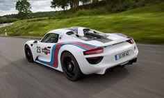 2014 Porsche 918 Spyder in vintage Martini Racing livery