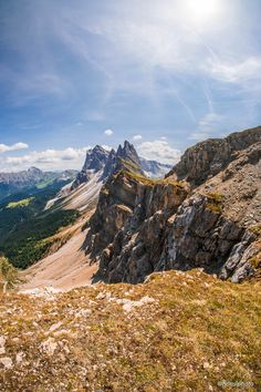 Welcome to the Dolomites. Seceda Italy [OC][4000x6000] hansiphoto https://ift.tt/2GrGoD7 April 02 2018 at 08:01PMon reddit.com/r/ EarthPorn
