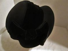 Vintage Betmar New York 100% Wool Black Hat with a Velour Bow!