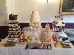 Wedding cake and macarons...perfect!