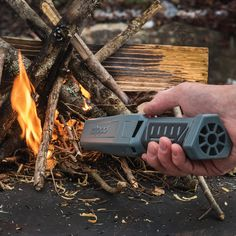 Zippos battery-operated bellows with a heat-resistant nozzle allows you to get an optimal flow of oxygen right where you need it to keep your fire going. Wilderness Survival, Camping Survival, Camping Gear, Bushcraft Camping, Urban Survival, Camping Essentials, Tactical Survival, Survival Tools, Survival Stuff