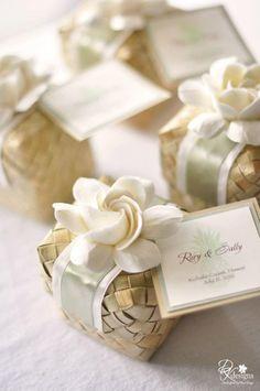 Lauhala Boxes or Pandan Lidded Boxes - Perfect for Destination, Beach, Hawaiian & Tropical Wedding Favors. $4.00, via Etsy.
