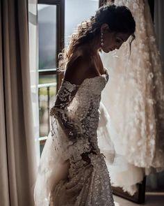 Wedding Gown Taking in those precious moments before Dream Wedding Dresses, Bridal Dresses, Wedding Goals, Dream Dress, Perfect Wedding, Summer Wedding, Beautiful Dresses, Wedding Inspiration, Wedding Ideas