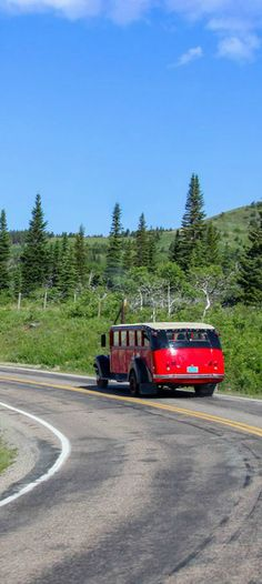 Glacier National Park Must-Do: Red Jammer on the Going to the Sun Road | glaciermt.com