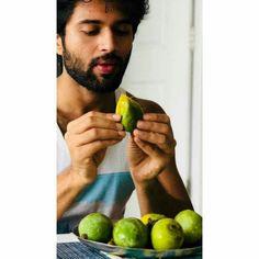 Do not disturb. Tv Couples, Celebrity Couples, Arjun Bijlani, Dp For Whatsapp, Vijay Actor, Vijay Devarakonda, Indian Tv Actress, Actor Photo, Cute Actors