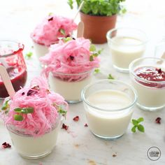 Recipe Vanilla bean panna cotta with raspberry rosewater coulis by alycealexandra, learn to make this recipe easily in your kitchen machine and discover other Thermomix recipes in Desserts & sweets. Sweets Recipes, Just Desserts, Wine Recipes, Cooking Recipes, Keto Recipes, Panna Cotta, Thermomix Desserts, Dinner Party Recipes, Delicious Deserts