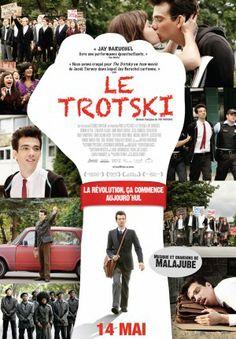 Leon Bronstein, un étudiant du secondaire de l'Ouest de Montréal, est persuadé qu'il est la réincarnation de Leon Trotsky, célèbre révolutionnaire russe du début du siècle. Il vit sa vie comme son idole, s'inspire de sa biographie pour mener une lutte prolétaire et syndicale.  Comptoir du prêt: code 81720