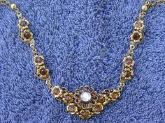 Vintage necklace, stunning!