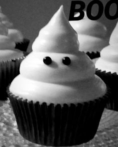 ghostcupcakes, vanillacupcakes Desserts, Food, Tailgate Desserts, Deserts, Essen, Postres, Meals, Dessert, Yemek
