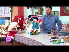Ebisu ideas creativas Proyecto Santa en material reciclable - YouTube Clay Crafts, Diy And Crafts, Stained Glass Crafts, Felt Dolls, Felt Ornaments, Christmas Projects, Ideas Creativas, Wool Felt, Snowman