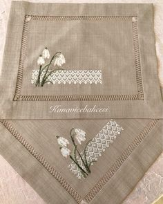 Flash Tattoos, Cross Stitching, Cross Stitch Embroidery, Christmas Makes, White Embroidery, Bargello, Cross Stitch Flowers, Filet Crochet, Cross Stitch Designs