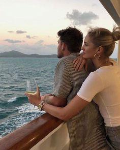 Como ganhar dinheiro no instagram (clique na foto e aprenda)  _________________________________  #instagram #dinheiro como ganhar dinheiro trabalhando na internet. Photo Couple, Love Couple, Couple Goals, Relationship Goals Pictures, Cute Relationships, Cute Couple Pictures, Couple Photos, The Love Club, Romance