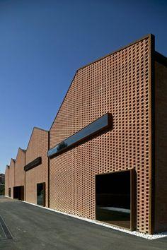 Brick facade - Espai Baronda / Alonso y Balaguer Architecture Design, Factory Architecture, Industrial Architecture, Contemporary Architecture, Computer Architecture, Brick Design, Roof Design, Facade Design, Brick Works