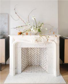 Cl Has Named Our Classic White Zellige Tile- Weathered White - cl hat unser klassisches weißes zellige-fliesen-verwittertes weiß benannt - cl a nommé notre carreau de zellige blanc classique - blanc patiné Herringbone Fireplace, Herringbone Tile, Faux Fireplace, Fireplace Design, Fireplaces, Fireplace Tiles, Fireplace Lighting, Decorative Fireplace, Cream Fireplace