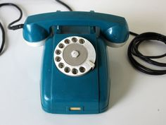 TetraPhones offer a Range of Office Phones  and Business Telephone Systems to support  single or multi-user environments. http://stageslink.com/business/small-business-telephone-systems/