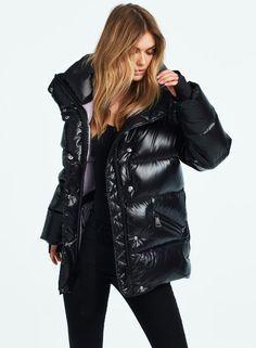 Oversized Puffer Coat, Puffer Coats, New York Girls, Stylish Coat, Puffy Jacket, Down Coat, Mantel, Wisteria, Leather Jacket
