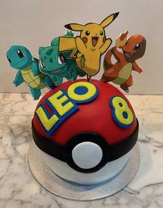 Bola Pokemon. Pokemon, Cupcakes, Superhero, Character, Fondant Cakes, Lolly Cake, Candy Stations, One Year Birthday, Cupcake Cakes