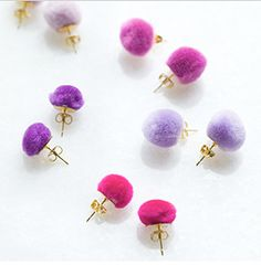 mini pompom earrings - too cute! (source no longer available)
