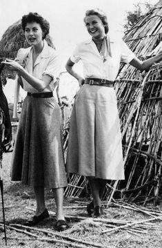 Ava Gardner e Grace Kelly nel film - Mogambo 1953 Hollywood Fashion, 1940s Fashion, Classic Hollywood, Old Hollywood, Vintage Fashion, Hollywood Actresses, Hollywood Quotes, Hollywood Bedroom, Hollywood Curls