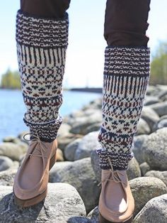 Kirjoneulesäärystimet Novita 7 Veljestä | Novita knits Fair Isle Knitting, Knitting Socks, Needles Sizes, Leg Warmers, Amazing Women, Ravelry, Wool, Crochet, Pattern