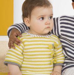 Un petit modèle de pull rayé tellement tendance pour le tout petit, tricoté en ' laine partner 3.5 ', coloris Soufre, Blanc et Acier.Modèle N° 1du catalogue N° 127 : Bébé & Enfant , Automne/Hiver 2015