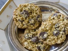 Orange, chocolate oatmeal cookies- Crisp, sweet cookies that are just a bit healthy Lace Cookies, Sweet Cookies, Chocolate Oatmeal Cookies, Chocolate Desserts, Healthy Plate, Healthy Eating, Cookie Crisp, Chocolate Orange, Cheesecake