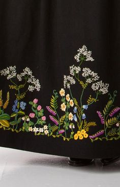Folk Costume, Costumes, Norwegian Style, Embroidery Ideas, Oslo, Vacation Ideas, Cross Stitch Embroidery, Sewing Ideas, Norway