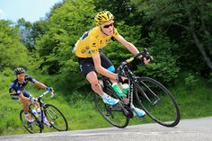 Chris Froome (Sky Pro Cycling Team) been chased by Alberto Contador (Saxobank Tinkoff) in 2013 Tour de France Chris Froome, Paula Radcliffe, Richard Williams, Tours France, Pro Cycling, Sport, Triathlon, South Africa, Champion