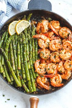 Lemon Garlic Butter Shrimp with Asparagus – So much flavor and so easy to throw together, this shrimp dinner is a winner! Lemon Garlic Butter Shrimp with Asparagus – So much flavor and so easy to throw together, this shrimp dinner is a winner! Seafood Dishes, Seafood Recipes, Cooking Recipes, Shrimp Dinner Recipes, Low Carb Shrimp Recipes, Seafood Menu, Cooking Games, Cooking Classes, Salmon Recipes