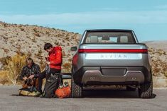 It's fitting that Alex Honnold has teamed up with Rivian Automotive. Rivian touts its automobiles as 'the world's first electric adventure vehicles.' And Honnold is, of course, one of the foremost adventurers of our time. Electric Pickup Truck, Electric Cars, Outdoorsy Style, Outdoorsy Fashion, Expedition Vehicle, Car Gadgets, Car Drawings, Top Cars, Diesel Trucks