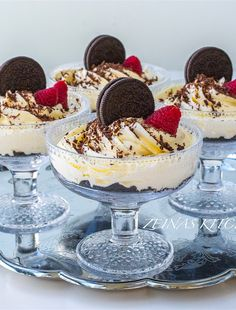 Oreocheesecake i glas Pudding Desserts, Vegan Desserts, Dessert Recipes, No Bake Nutella Cheesecake, Desserts In A Glass, Danish Food, Snacks, Something Sweet, Holiday Recipes