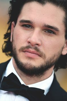 Kit Harington Who wants to be Mrs Jon Snow Kit Harington, Jon Snow, Eddard Stark, King In The North, Hollywood, Man Crush, Celebrity Crush, Celebrity Photos, Cute Guys