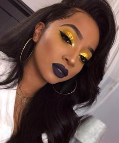 Yellow eyeshadow and dark lipstick Gelber Lidschatten und dunkler Lippenstift Glam Makeup, Flawless Makeup, Cute Makeup, Gorgeous Makeup, Pretty Makeup, Makeup Inspo, Makeup Inspiration, Hair Makeup, Makeup Ideas