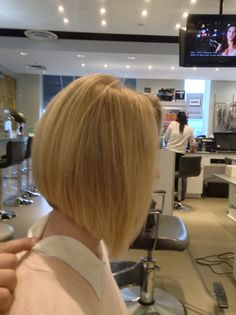 Here's a gorgeous cut & style by Andy! Call and book your appointment and come in for your spring make-over today! #deauville #spa #coiffure #montreal #stylists #hairsalon #beauty #bobcut #blonde #highlights #streaks #trends