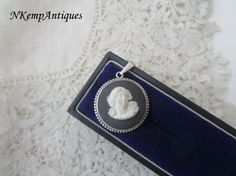 Silver wedgwood pendant real silver by Nkempantiques on Etsy