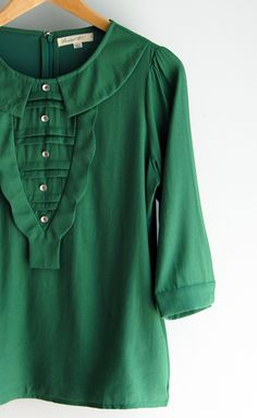 Green Collar Blouse: looks so comfy, but I love the collar and button details.