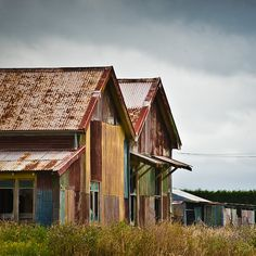 cool old sheds and buildings rock they have so much character