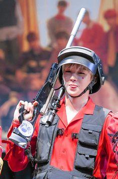 PUBG I what KangDaniel as a pubg character 😍 Daniel K, Prince Daniel, Street Dance, K Idol, Fandom, Seong, 3 In One, Cute Boys, In This World