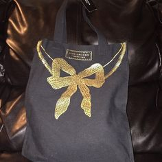 MARC JACOBS TOTE BAG Like new tote bag size large Marc Jacobs Bags Totes