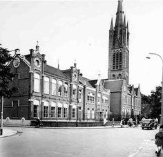 Hilversum - St. Anna-Gesticht (klooster en lagere school) en Piusschool aan Groest hoek St. Annastraat (links) Foto Stevens