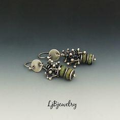 Pendientes de plata, turquesa, collar aretes, pendientes, plata, turquesa, Metalsmith, hecho a mano de LjBjewelry en Etsy https://www.etsy.com/es/listing/267123854/pendientes-de-plata-turquesa-collar