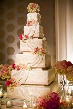 Enchanted Florist ~ http://nisiesenchanted.com/featured-weddings-christine-buddy.html