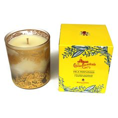 Alvarez Gomez Agua de Colonia Concentrada Scented Candle. #Scented #candle with #natural waxes and #essentialoils. Sandalwood and cinnamon oils, together with Alvarez Gómez perfume, are responsible for the enchanting, aromatic environment created by the Alvarez Gómez candle.