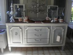 loveanother beautiful chalk paint project - Paris Grey and Old White. I haven't been brave enough to try chalk paint - but I'd love to! Upcycled Home Decor, Repurposed Furniture, Diy Home Decor, Refinished Furniture, Grey Furniture, Chalk Paint Furniture, Furniture Design, White Chalk Paint, Annie Sloan Chalk Paint
