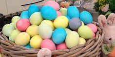 BINTEO: πώς να βάψεις τα αυγά σε παστέλ χρώματα, όπως η Μενεγάκη!