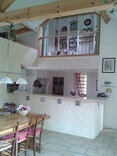 Vakantiehuis in de Lot - Dordogne  Frankrijk. Vanuit de huiskamer, de keuken en de mezzanine.
